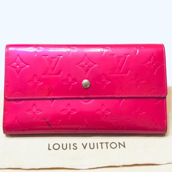 LOUIS VUITTON Monogram Vernis International Wallet